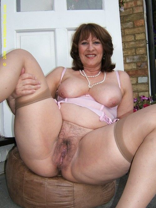 image Mature marry loves to have a nice time for her selves
