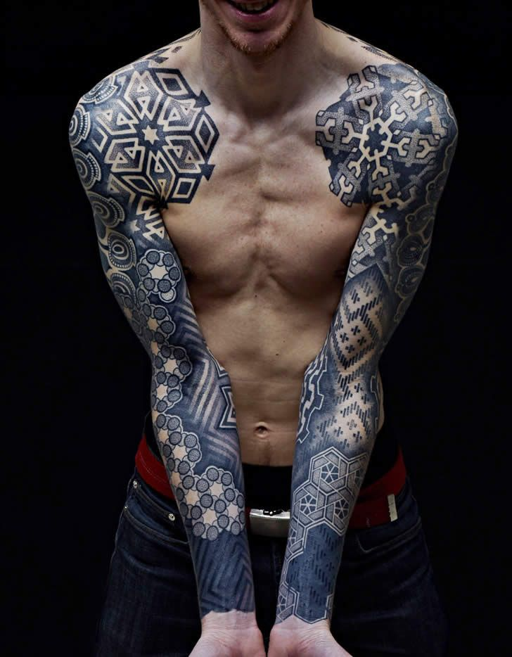 Illusion: This is a beautiful two sleeve tattoo design by Nazareno Tubaro. Most of his work is based on organic patterns that are inked in dots or lines. Photos © Juan Salvarredy and Nazareno Tubaro Via Everything, Nothing, and Things in Between. http://illusion.scene360.com/art/35934/wicked-pointillism-tattoo/