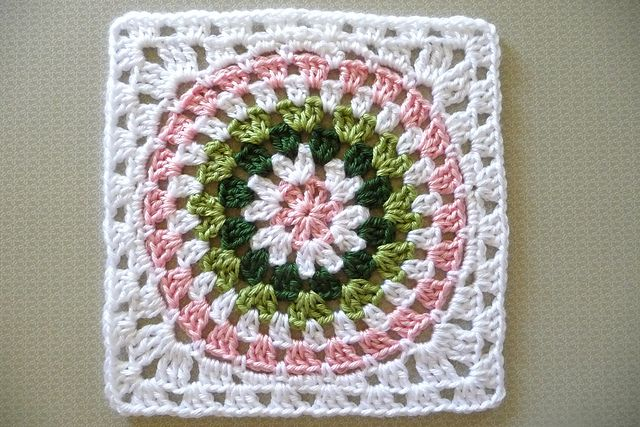 Squaring the Big Circle: Circles Patterns, Crochet Blocks, Crochet Ideas, Crochet Afghans, Free Pattern, Color, Crochet Bags Hats Squares, Circle Pattern, Crochet Square
