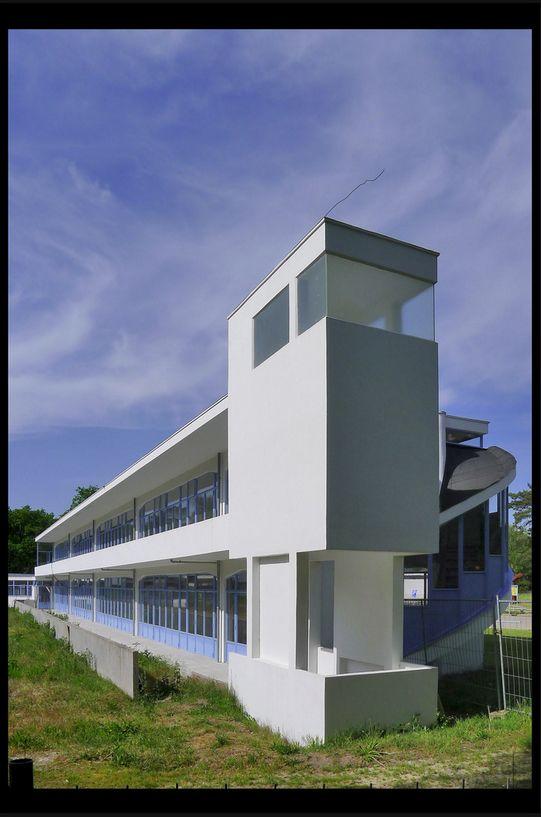 hilversum sanatorium zonnestraal dresselhuyspaviljoen 01 1928 duiker j_bijvoet b_wiebenga jg (loosdrechtse bos) © picture by Klaas Vermaas