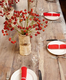 Love the pop of red on this rustic table setting. Very simple. #bywstudent