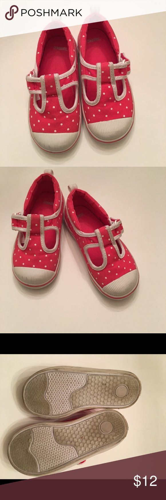Gymboree toddler shoes Super cute Gymboree toddler shoes. These shoes are great for the first day of school. They are in good condition. The front of the shoe has a little bit of black marks. The shoes are a toddler size 8. I am willing to accept offers. Gymboree Shoes Sneakers