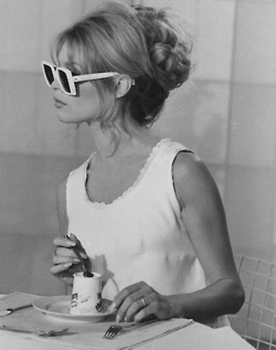 Sunday morning breakfast. White dress, messy updo and big fun sun glasses.