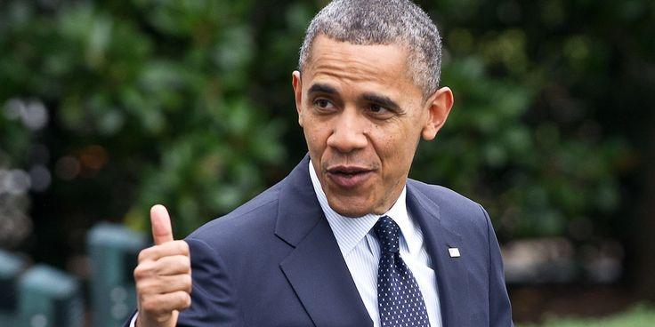 Na biografia de Obama são reveladas ainda alegadas tendências homossexuais e traições a Michelle