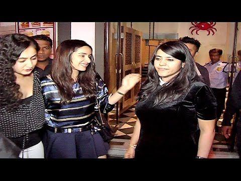 Ekta Kapoor & Shraddha Kapoor seen together at a restaurant in Bandra, Mumbai. See Full Video > https://youtu.be/gG5H_X_rty0 #ektakapoor #shraddhakapoor #filmybaten #bollywood #bollywoodnews #bollywoodgossips
