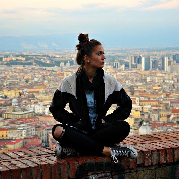 Neapol - sztyjc przajymy tymu miastu  #neapol #napoli #belekaj #rajza #godej #silesia #naples #italy #włochy #italia #skyline #city #view #podróże #travel #zwiedzanie #tb #throwback #montesanto #campania