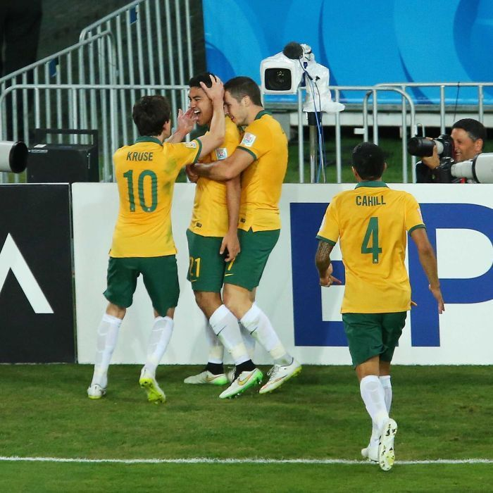 Luongo celebrates screamer in Asian Cup final - Massimo Luongo of Australia celebrates with team-mates after scoring a goal during the 2015 Asian Cup final against South Korea at Stadium Australia on January 31, 2015 in Sydney.