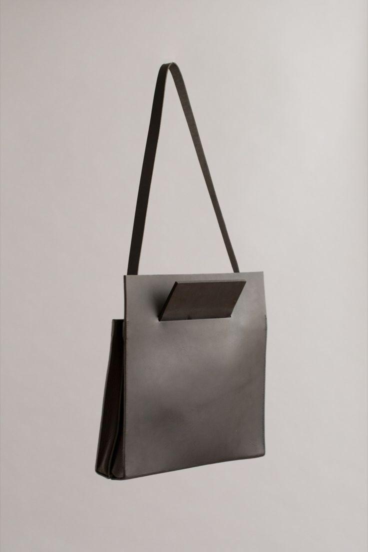 PIERCED SHOULDER BAG | CHIYOME