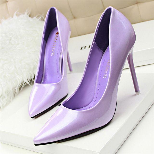 O Envio gratuito de Nova Chegada Coreano Concise Couro Envernizado Rasas Sapatos de Escritório Moda Sólidos das Mulheres Sapatas Dos Saltos Altos para As Mulheres