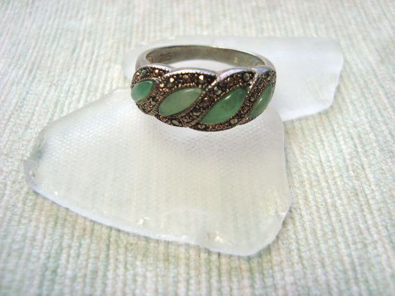 Sterling silver green antique ring with by DrewsCollectibles, $19.99