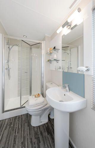 2014 Meridian Lodge Family Shower Room