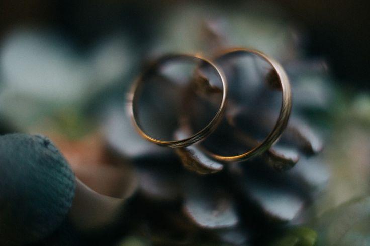 Свадебные кольца: сохраните эмоции! #okwedding #wedding #weddingring #flowers #цветы #букет #кольца #свадьба #координатор #организатор #распорядитель