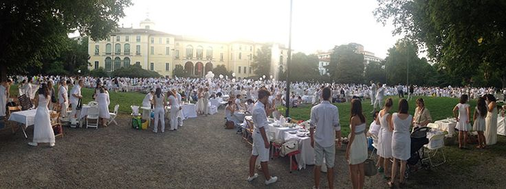 Tutti protagonisti per una sera #raiexpo #expo2015 #milano #cenaconme #we4expo #flashmob