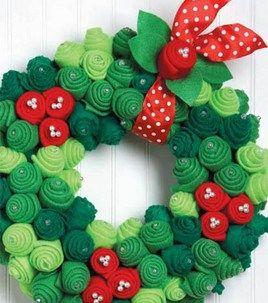 25 days of Felt Christmas Crafts Day 6 easy felt wreath