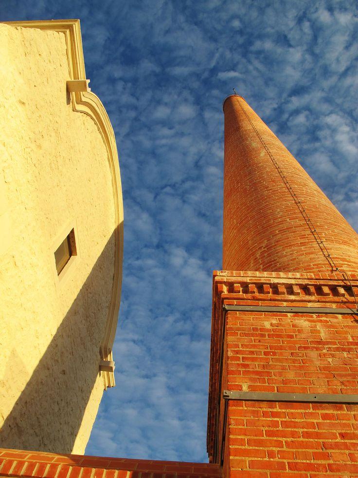 the brick chimney of convento das bernardas by Yan Peng