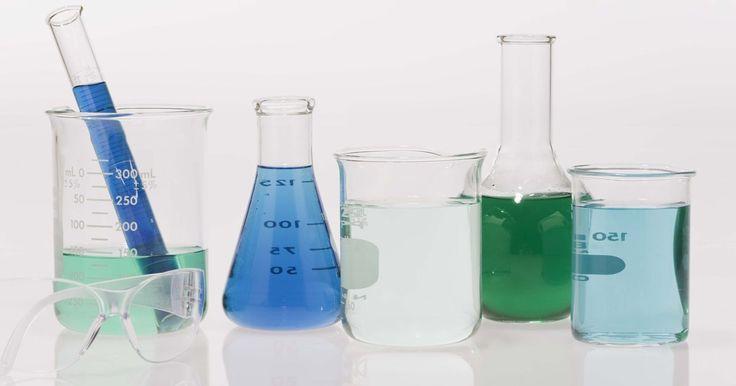 Instrumentos de laboratório de química. Os tipos de instrumentos comumente encontrados em um laboratório de química são, geralmente, específicos para o trabalho conduzido nele. Por exemplo, um laboratório de bioquímica pode incluir equipamentos para transformar substâncias orgânicas, proteínas e DNA, em componentes químicos básicos. Apesar disso, há uma série de instrumentos que são ...