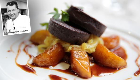 Navenant - Bloedworst op appelcompote met roggebrood en gekonfijte uien