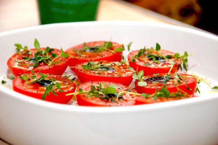 Ovnbagte tomater med timian og balsamico (tomater i ovn) - opskrift fra Guffeliguf.dk