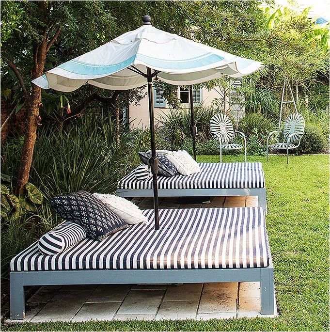 Create your own outdoor bed for laying out or snoozing.