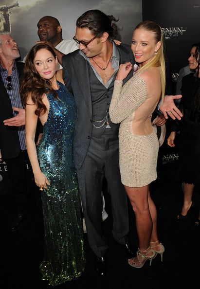 "Jason Momoa Photos Photos - Actors Jason Momoa, Rose McGowan, and Rachel Nichols attend the world premiere of 'Conan The Barbarian' held at Regal Cinemas L.A. Live on August 11, 2011 in Los Angeles, California. - Premiere Of Lionsgate Films' ""Conan The Barbarian"" - Arrivals"