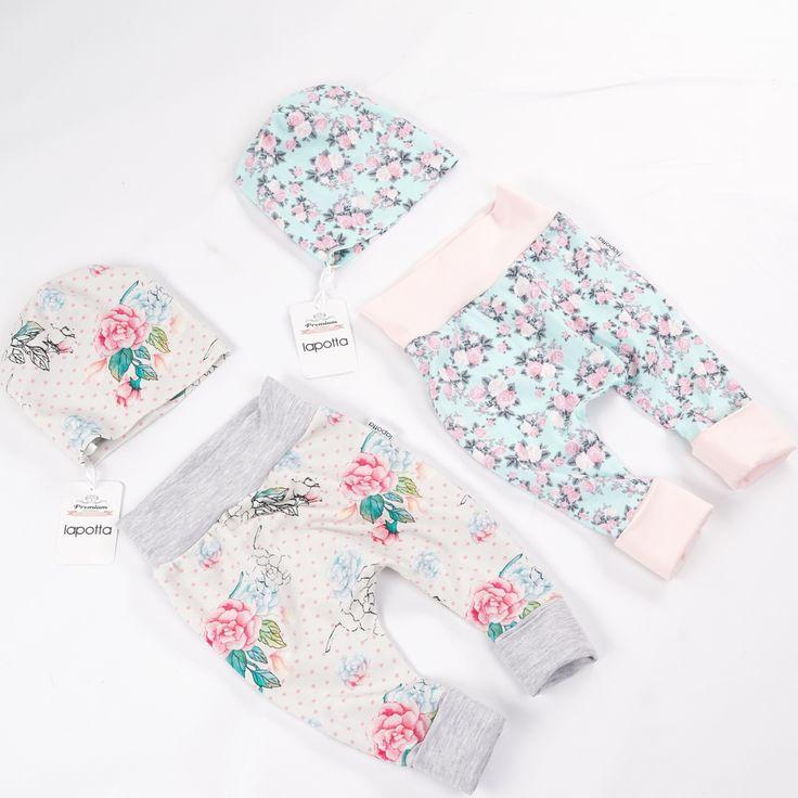 Diese süßen Sets sind traumhaft schön und sehr sehr zart, oder`?😍😍😍 Der linke Stoff ist nun alle💔💔💔 . Vielen Dank für diese wunderschöne Bestellung ❤️❤️❤️ . Schönen Abend, meine Lieben❣❣❣ . #lapotta #handmade #kindermode #babymode #strampler #romper #babyhose #stirnband #höschen #babyleggings #babyfashion #unterhose #namenskissen #krabbeldecke #babydecke #decke #babyunterhose #patchworkdecke #hamburg #norderstedt #baby2016 #baby2017#mitwachshose #beaniemütze #beanie#mütze #babyshorts…