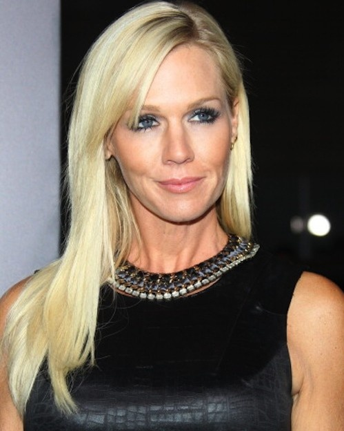 Jennie Garth is 40! Here she wears 7 hairstyles for long hair 2012 - and all within 1 month! Talk about versatile.