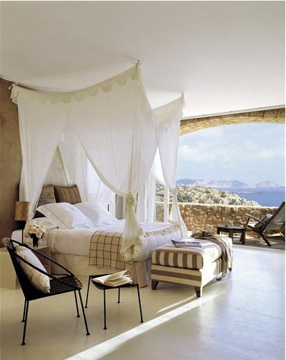 Delightful bed with a View!