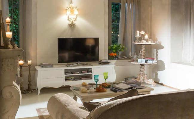 Uroczy salon w stylu prowansalskim