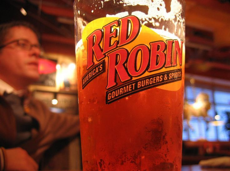 10 Birthday Clubs Worth Joining: Red Robin Birthday Club