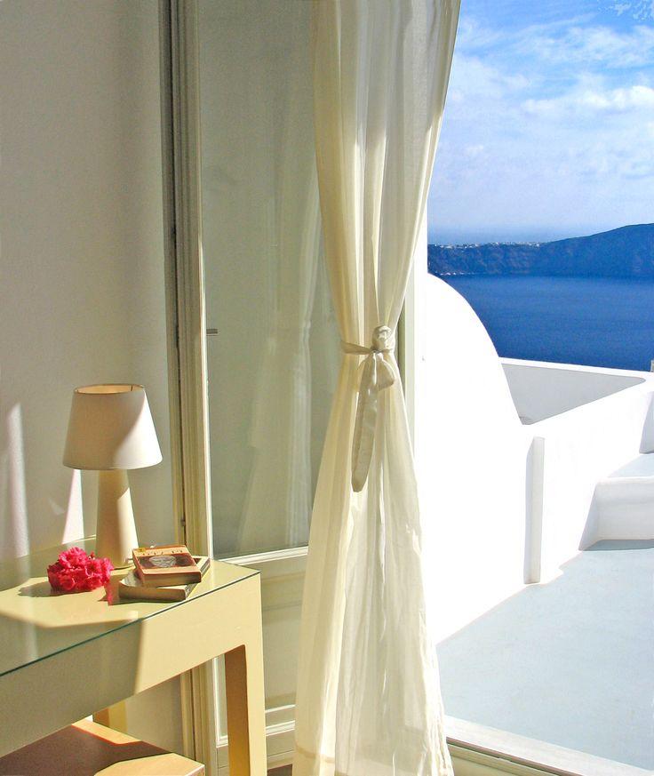 Irida Santorini - Apartment with loft and caldera view