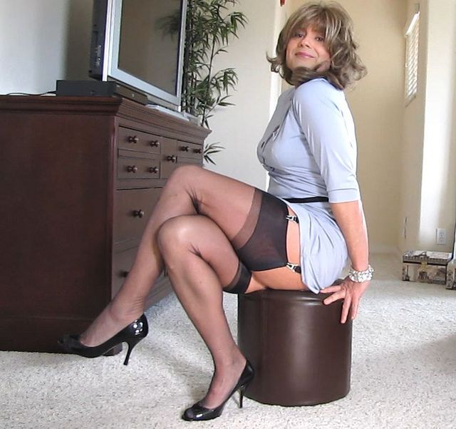 Goergoeous mature secretaries forced upskirt cocks tube want this fuck