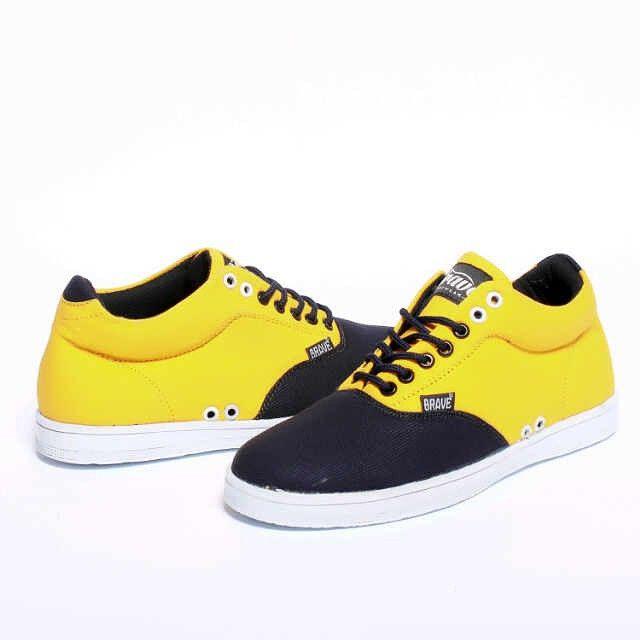 Brave Treguier, Warna: Tan Black, Size : 40-44 Untuk Pemesanan Online Kunjungi : www.rockford-footwear.com *Gratis pengiriman ke seluruh Indonesia Email: contact@rockford-footwear.com Pin :...