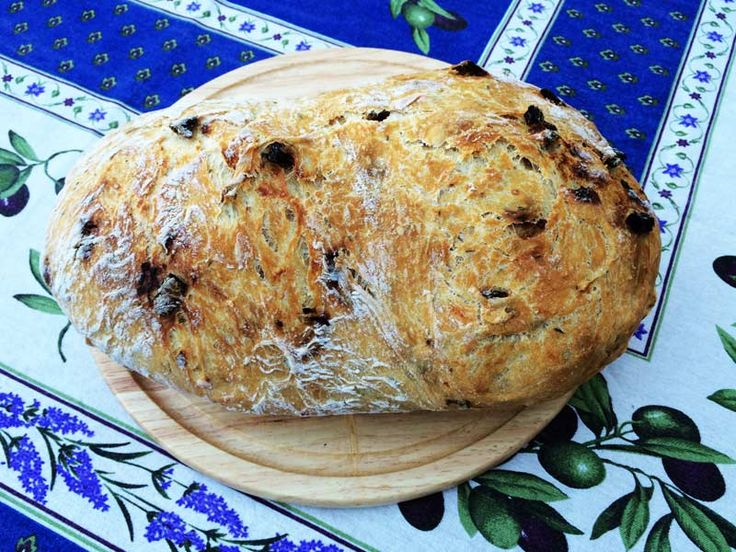 Chlieb so sušenámi paradajkami