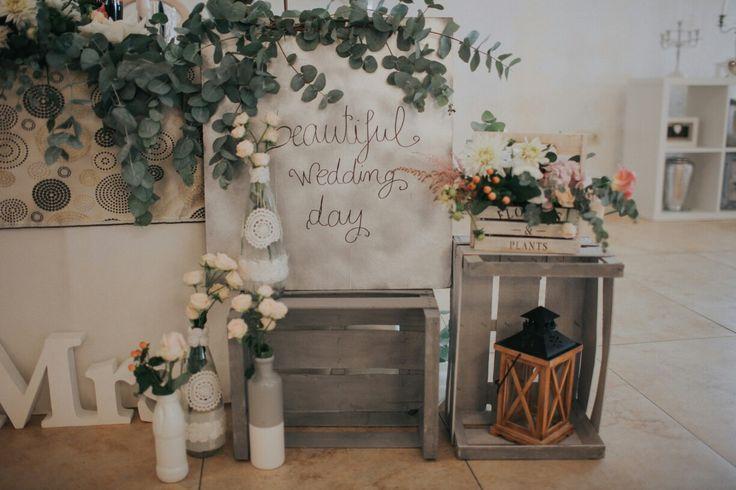 #weddingphoto #weddingdecoration #grey #eucalyptus #flowers #box