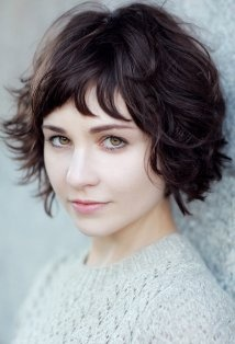Tuppence Middleton. This looks exactly like my hair cut ha! cool.