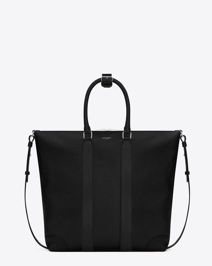 サンローランを象徴するトートバッグ。チューブレザーハンドル、取り外しが可能なショルダーストラップ。