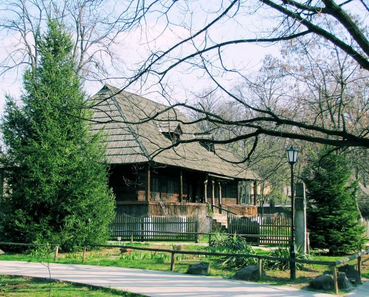 The Village Museum extends to over 100,000 sqm and contains 272 authentic peasant farms and houses from all over Romania. Stay at #RadissonBlu Hotel #Bucharest and #DiscoverBucharest!