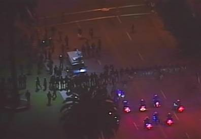 Police clear out anti-Wall St. protesters in Oakland .... at 5 AM.