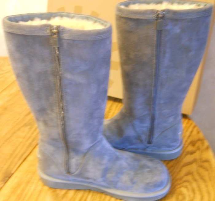 e6ec19bc777 Kenly Ugg Boots Size 8