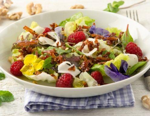 knusprigen honig speck auf h uptelsalat mit tiroler ziegenk se rezept salat rezepte k se. Black Bedroom Furniture Sets. Home Design Ideas