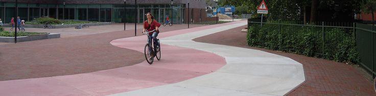Easypath Nederland BV ontwikkelde een energie neutraal verwarmd fietspad. Onderhoudsarm en vrij van hobbels en scheuren. En 's winters is dit Thermopath® ijs- en sneeuwvrij. Inschrijving MKB Innovatie Top 100. http://www.mkbinnovatietop100.nl/site/inschrijving-2015-Easypath-Nederland