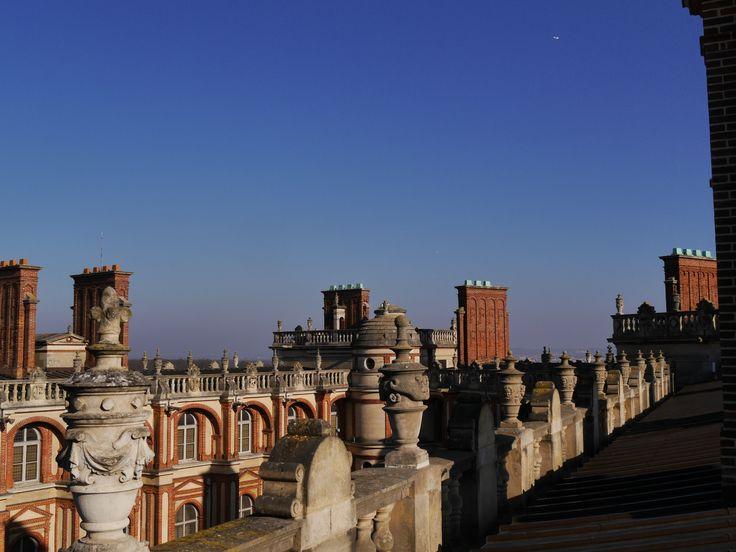 Vue des toits vers la cour intérieure du château. (C) MAN / P. Fallou