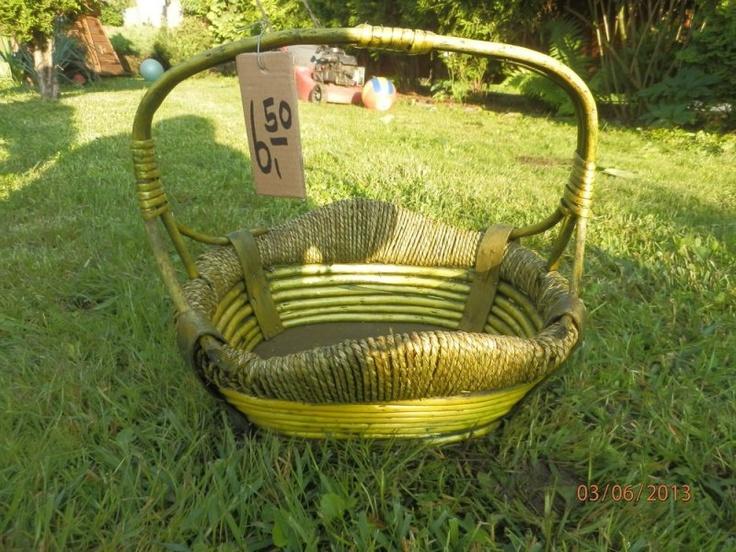 Okrasný pletený košík