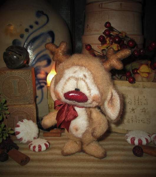Twinkle Reindeer By Patti Sikes of Patti's Ratties - Bear Pile