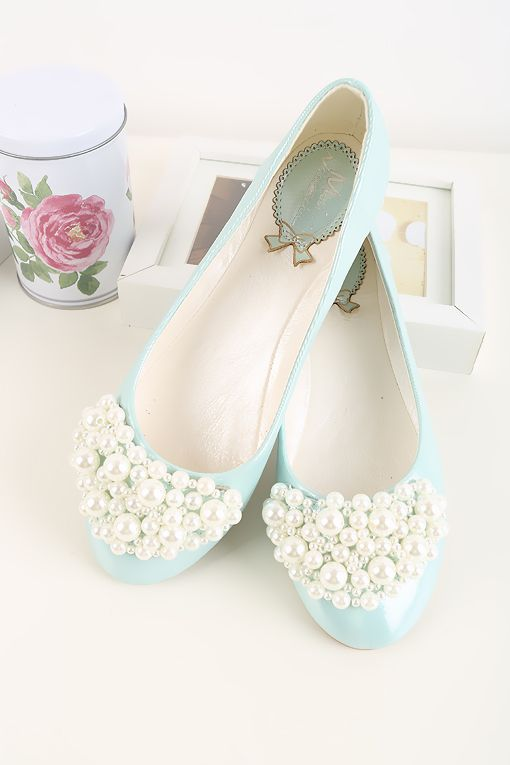 Tiffany blue flats with pearls at the toe - another color and I would love these even more!