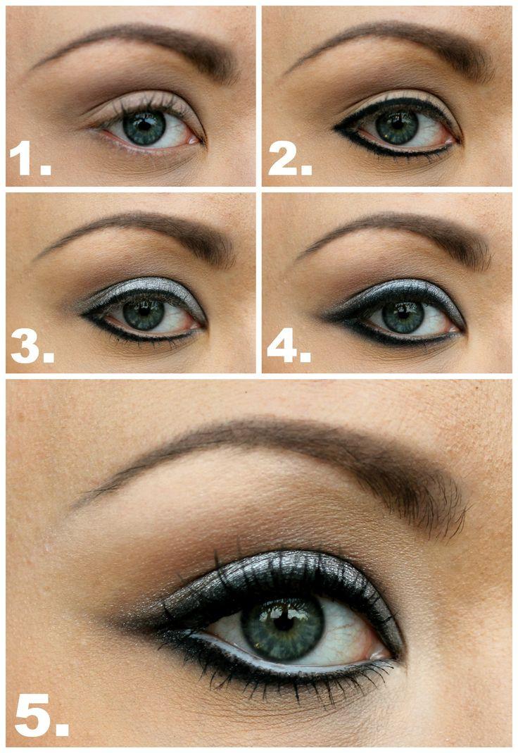Sixties Cat Eye Makeup