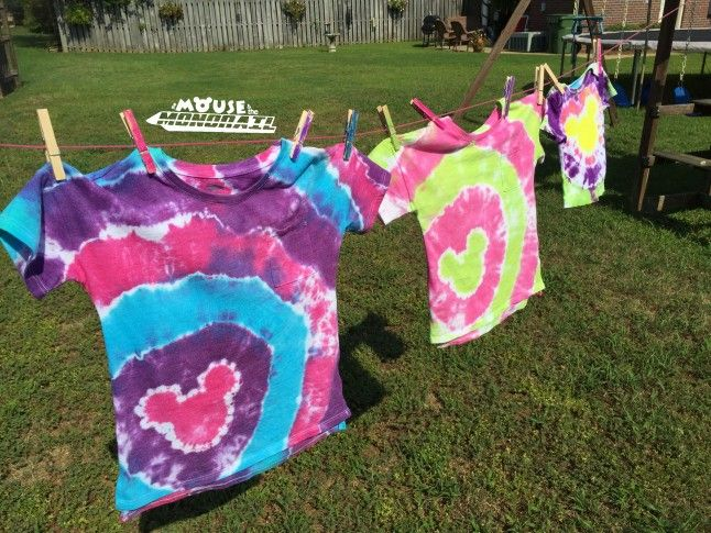 Easy guide to Tye-Dye Mickey shirts! This looks simple and fun!