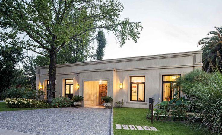 Estudio Edgardo Pastor - Casa estilo clásico - Portal de Arquitectos