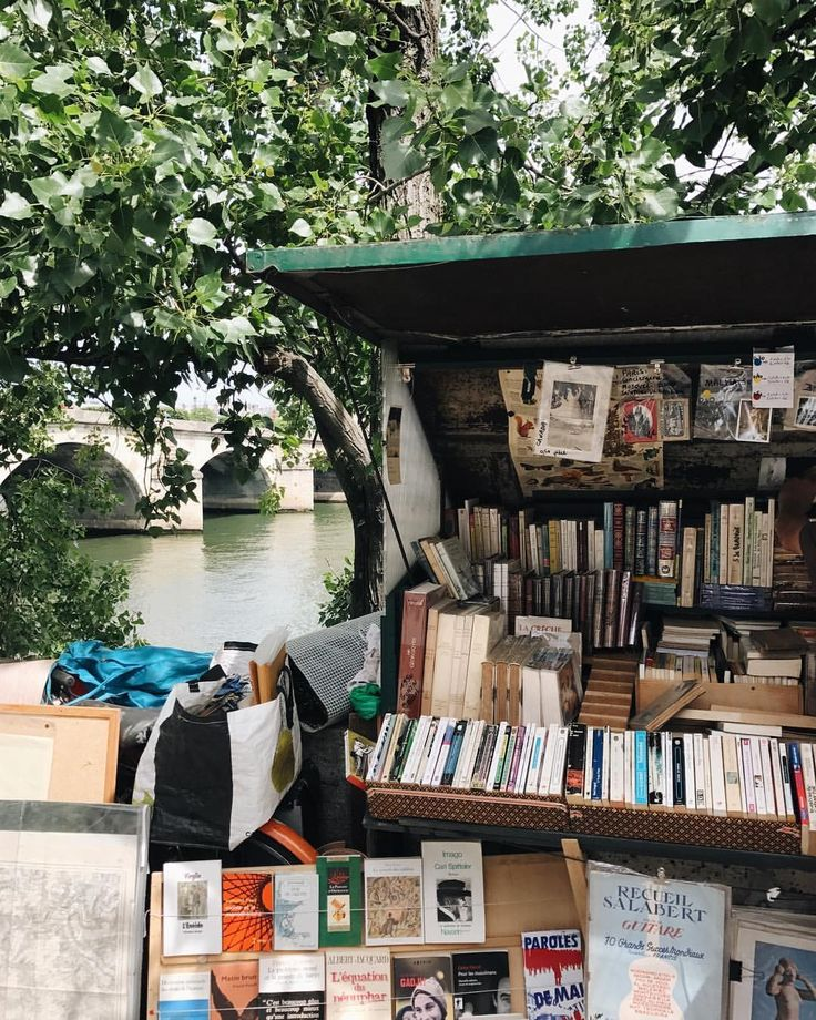 "bookbaristas: ""Never too early for a #bookbaristastravels #tbt  (at Paris, France) """