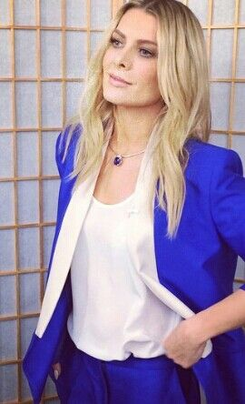 Xfactor Australia. Natalie Bassingthwaighte wears Bianca Spender suit, live results show 1.